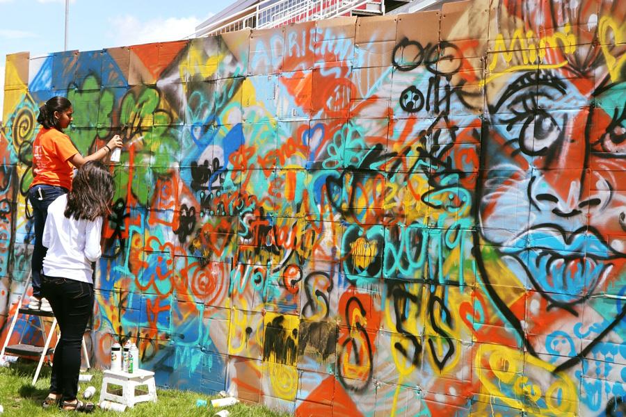 Illinois Art Station - Neighborhood Mural